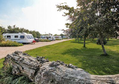 field-head-farm-caravan-photography