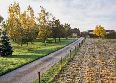 field-head-farm-caravan-photography-driveway